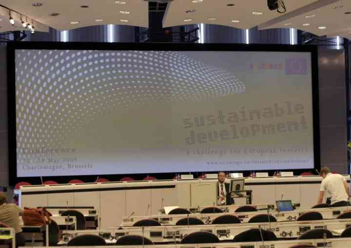 """SUSTAINABLE DEVELOPMENT, A CHALLENGE FOR EUROPEAN RESEARCH"" eu_pl012"